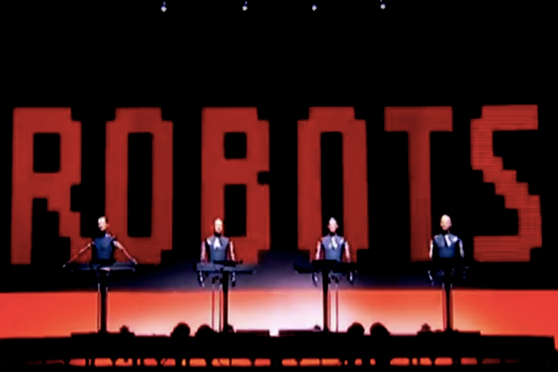 LIVE ROBOTS